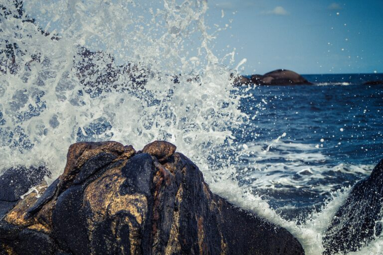 waves 768777 1920