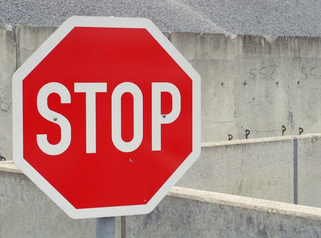 stop 705669 1280